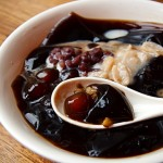 Grass jelly with tapioca red bean balls 综合仙草粉心圆